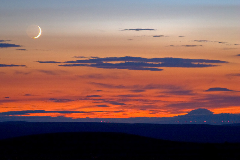 Moonrise over Mt. Adams as seen from eastern Oregon