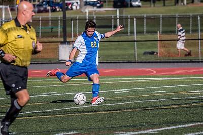 Tommy Pereira kicking the ball to his teammates