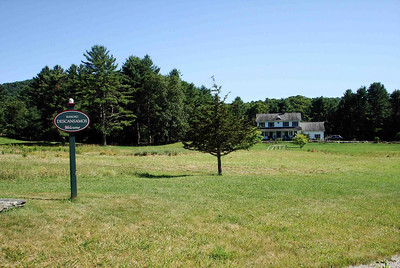 """RANCHO DESCANSAMOS The home of Lisa and her family in Vermont. Pretty nice place to spend the weekend, don't you think? So much green. (Descansamos in Spanish means """"We rest."""" Rest on a ranch? Yeah, right!)"""