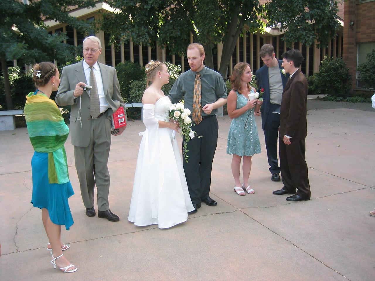 07 - After photo opp - Elizabeth, Mr  Harmon, Michelle, lil' bro' Danny Harmon, 2 people I dunno, & Neil
