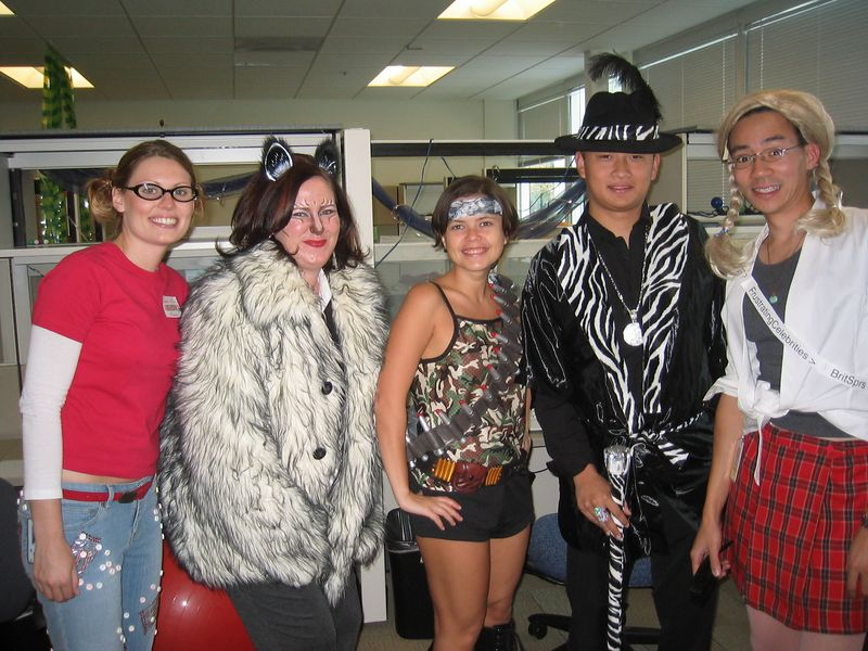 2004 10 29 Friday - Kelly, Laura, Jonika, David, & Britney Halloween costumes @ Google
