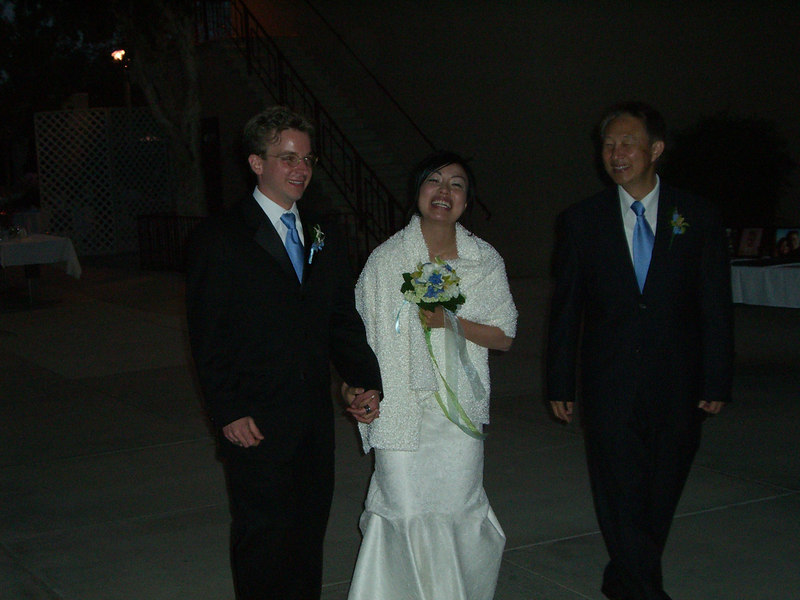 2006 05 06 Sat - Bride & Groom before running off 2
