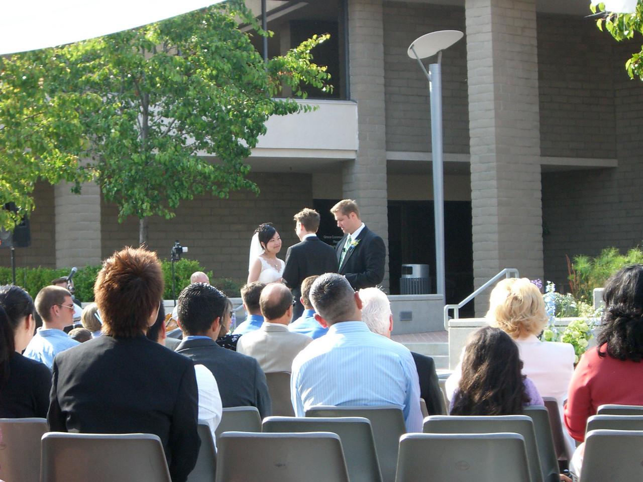 2006 05 06 Sat - Isabel & Tim saying vows