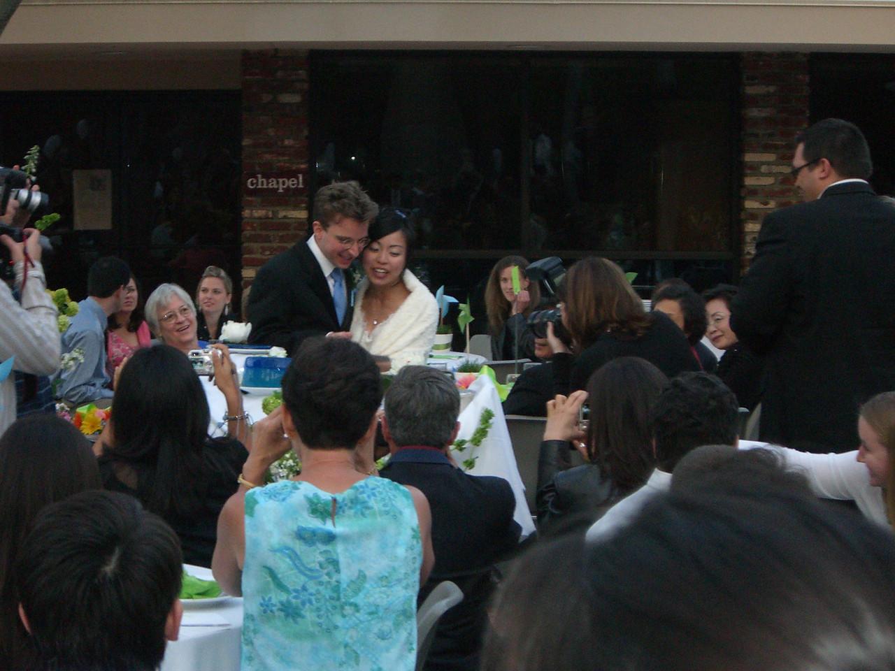 2006 05 06 Sat - Tim & Isabel cut the Jello wedding cake