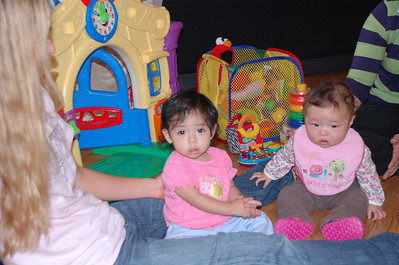 December 1, 2007 - Visiting the Van Velson's foster children (Adriana and Lauri), we only got photos of Adriana