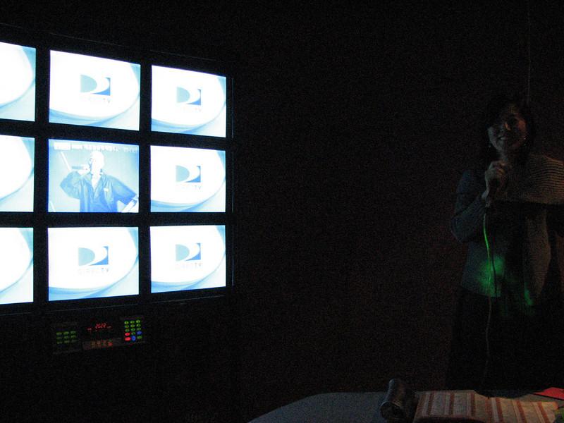 2008 03 15 Sat - Orchid - Sojin Kim karaokeing