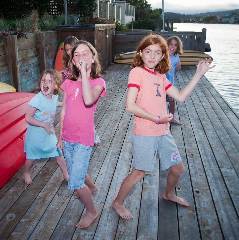 <b>Zoe O'Dea, Kate Baker, Katie O'Dea, Devin Acosta, Ali O'Dea</b>&nbsp &nbsp &nbsp Stinson Beach, California. August 18, 2010.