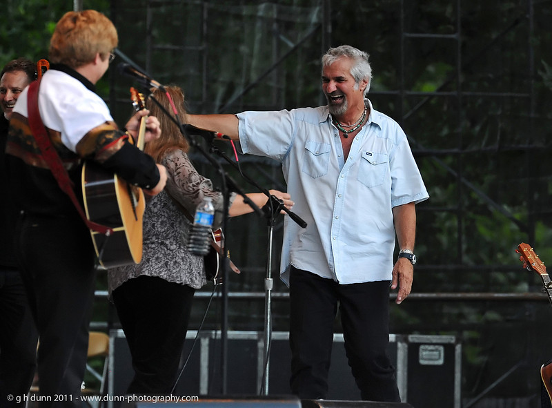Steve Weisberg performing with Jim Curry, Concerts in the Garden, Fort Worth, TX