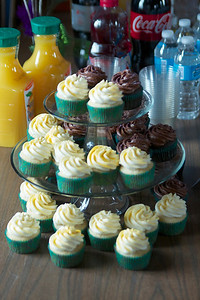 Mindy's amazing champagne cupcakes