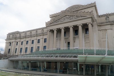 The Brooklyn Museum, front facade.