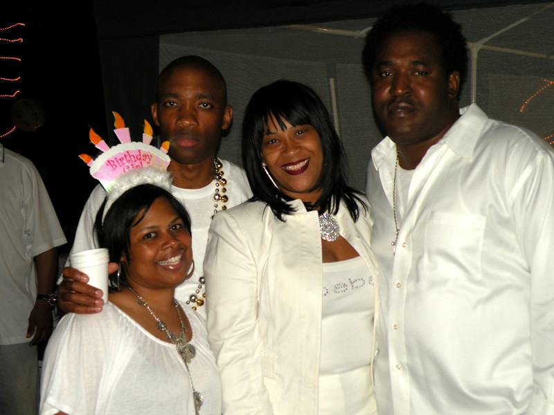 all white weekend 031