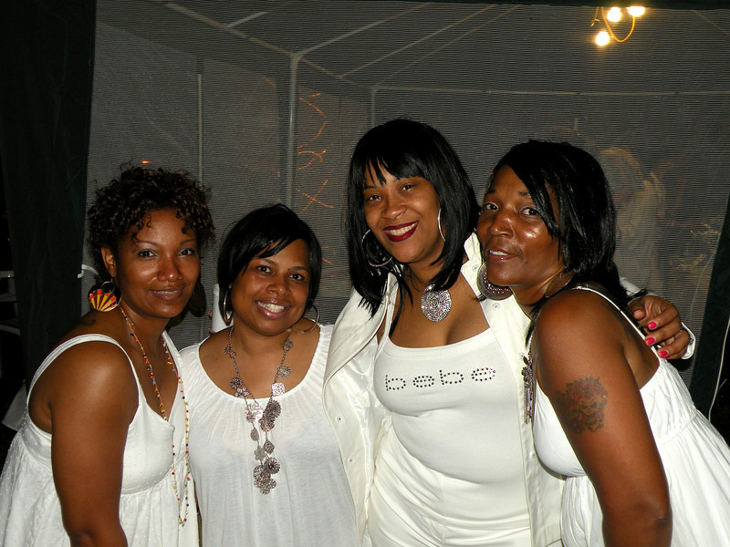 all white weekend 036