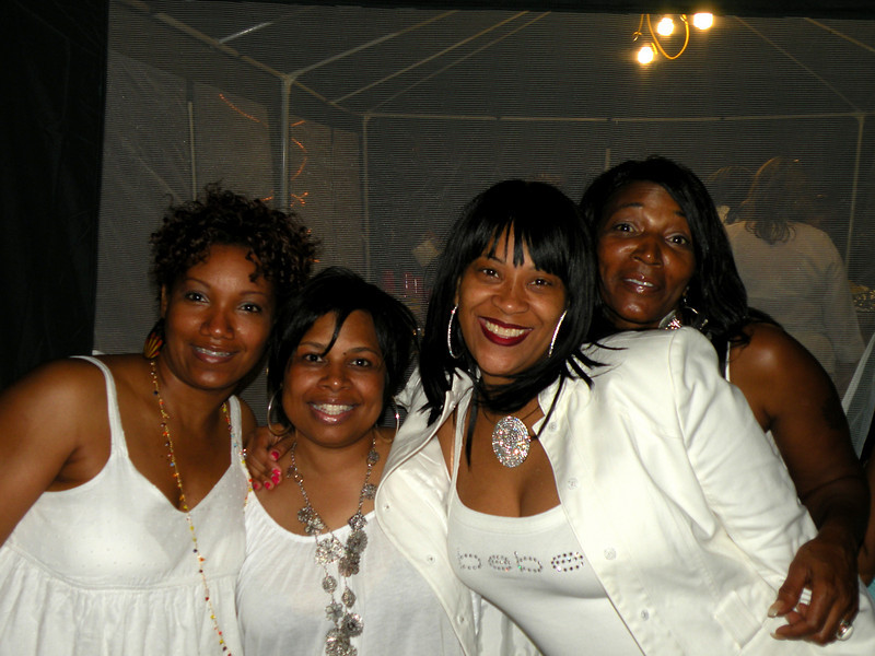all white weekend 035