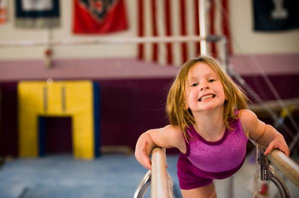 2008Nov19Annaka & Lindsay Arena gymnastics_038
