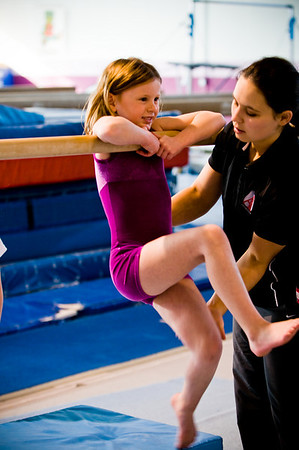 2008Nov19Annaka & Lindsay Arena gymnastics_036