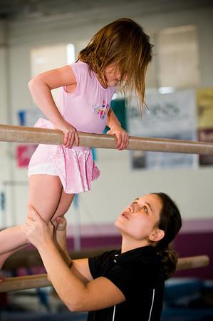 2008Nov19Annaka & Lindsay Arena gymnastics_030