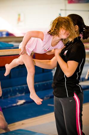 2008Nov19Annaka & Lindsay Arena gymnastics_008