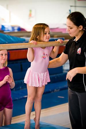 2008Nov19Annaka & Lindsay Arena gymnastics_007