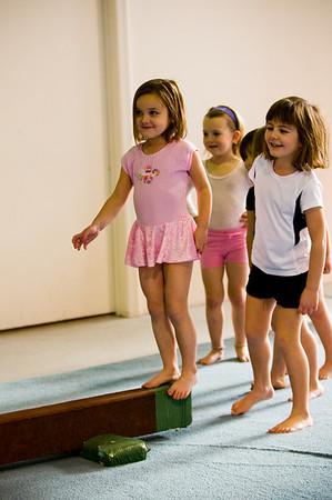 2008Nov19Annaka & Lindsay Arena gymnastics_045