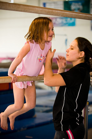 2008Nov19Annaka & Lindsay Arena gymnastics_029