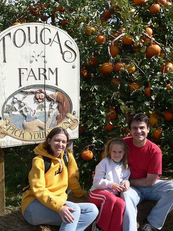 Apple Picking with Vesna, Kamenko & Bonnie
