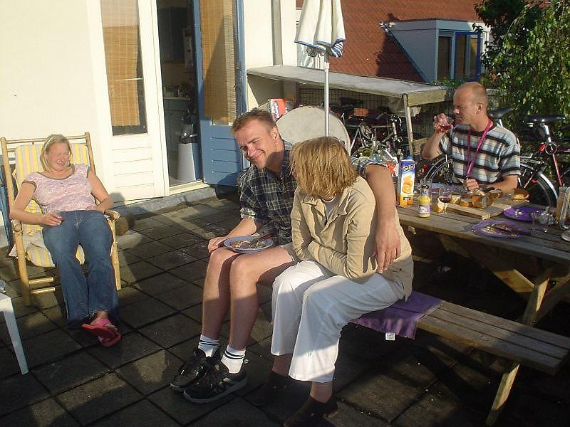Femke, Sjoerd keeping Carolien warm, and Martin