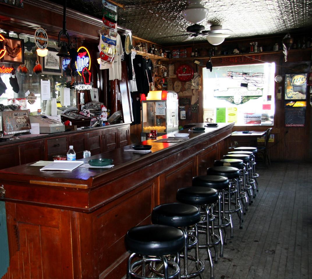 New Diggings General Store and Bar