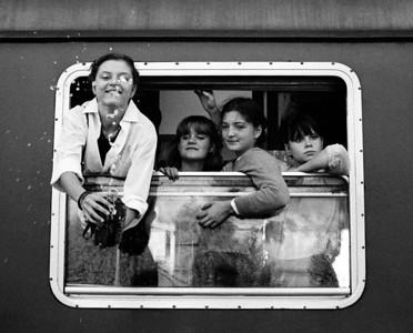Diana, Anne, Sandra en Winnie op de trein naar Rome.