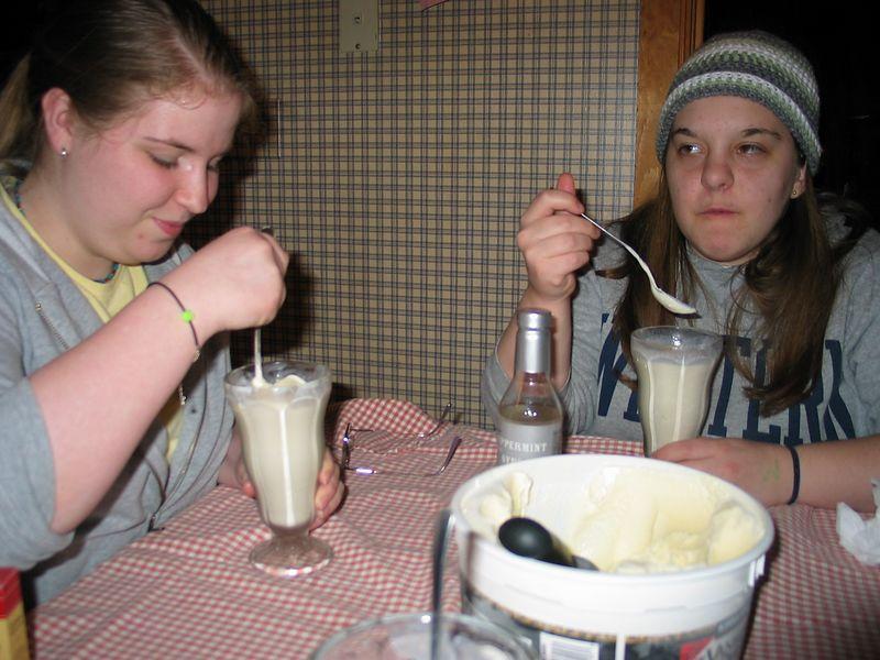Making St. Patricks Day milk shakes