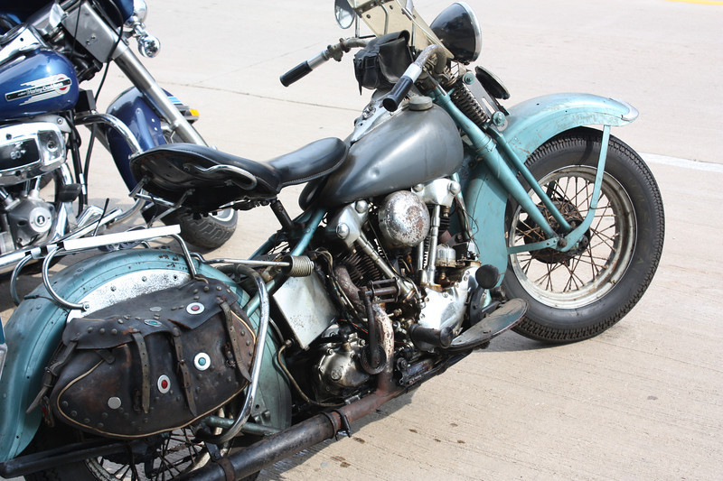 We sat on the porch with a group of bikers.  The owner of this machine was particularly entertaining.