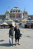 Marielle & Dutch voor het Kurhaus