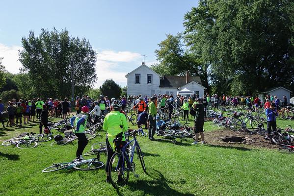 Bike-the-Barns-2014