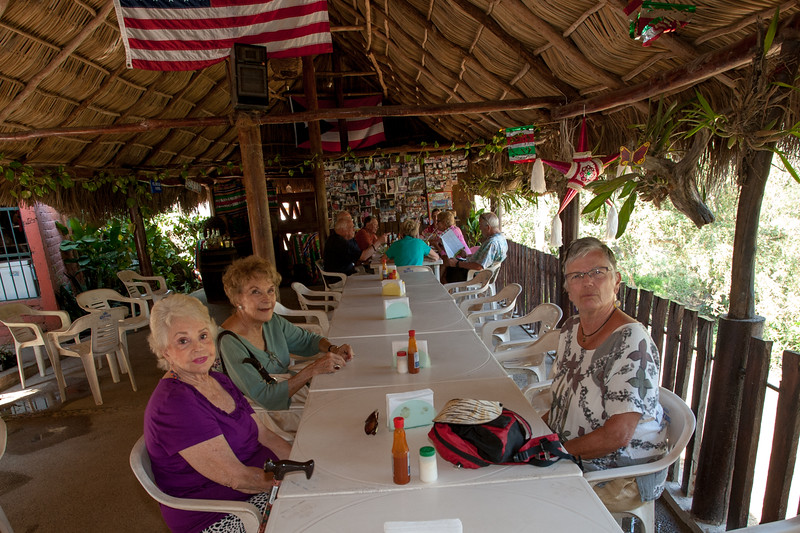Jenny, Mila and Sue at our big table up at the Moro Paraiso