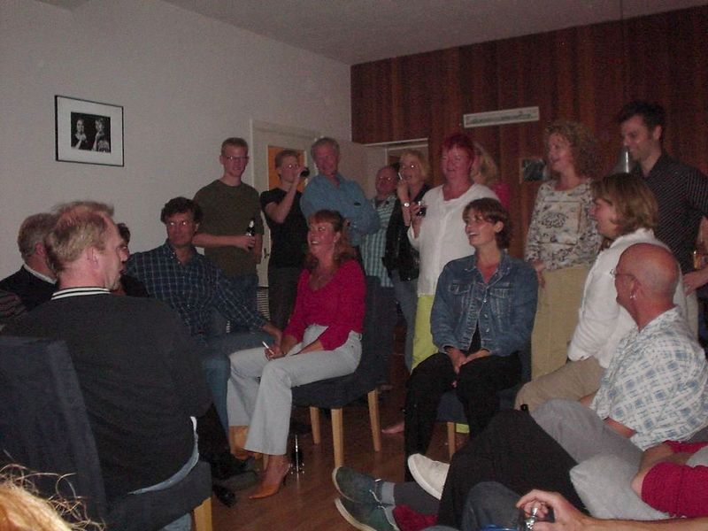 More singing, since half the choir group of Imro and Roos are there too