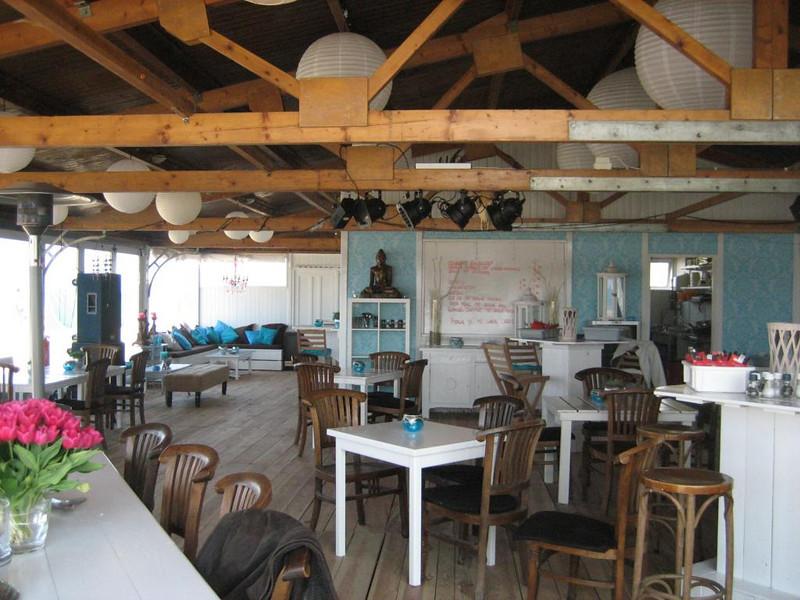 Inside Soomers, new beachclub