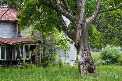 IMG_0129 : Abandoned property on the drive up to Kayser Ridge.