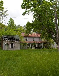 IMG_0130 : Abandoned property on the drive up to Kayser Ridge.