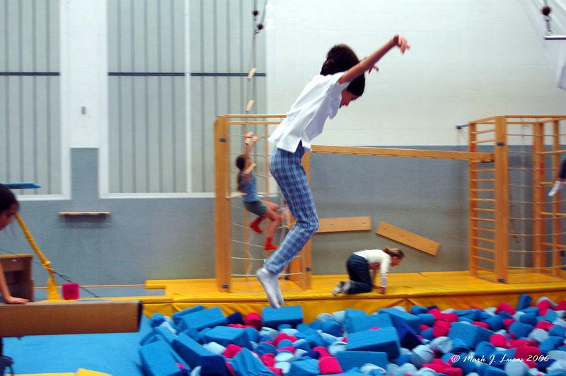 Amanda shows the Crane-style method of jumping.