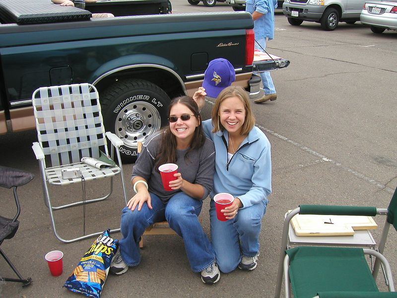 Lisa and Lindsay tailgating before the game