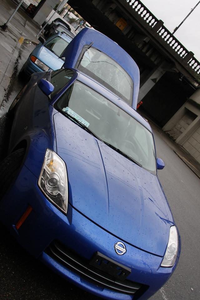 The Daytona Blue 350Z in cargo mode.  :)