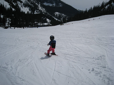 What a little skier!