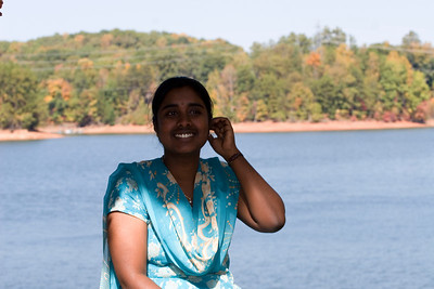 Savithri laaga undhi kadha? ;) (Isnt she like Savithri?)