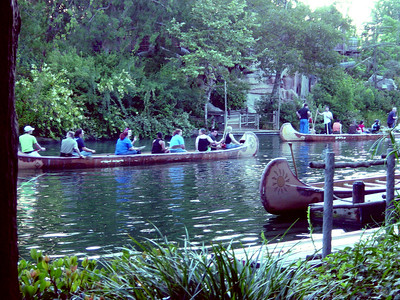 Disney: Canoe Race