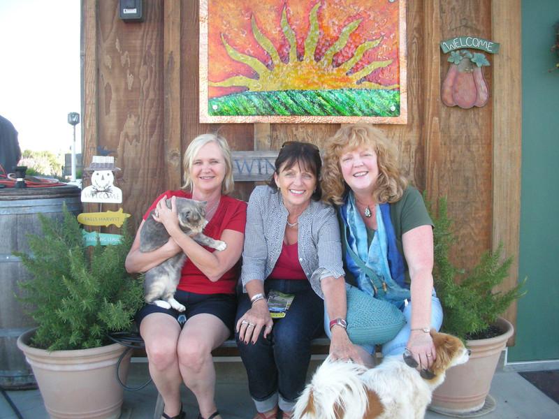 Elaine, Jackie, Vanessa and pets!