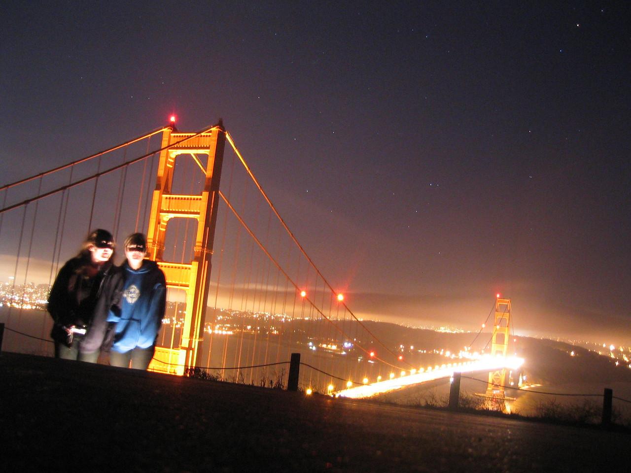 2004 07 12 Monday - Carrie & Melody horror story @ Golden Gate Bridge