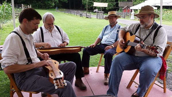 Mountain dulcimers and guitar jamming at Quiet Valley  - 07/13/2013