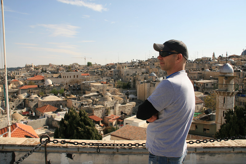 SHABI - A BUSINESS MANAGER / FROM TEL AVIV TO MEXICO CITY / PHOTO TAKEN IN APR.2007 THE OLD CITY OF JERUSALEM<br /> シャビ ビジネスマネジャー テルアヴィヴからメキシコシティーへ 撮影 APR.2007 エルサレム旧市街