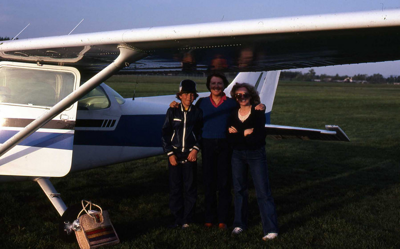 Flying picnic with Robert, Ann Stevens & Marilyn at Victoria Airport in August, 1978.