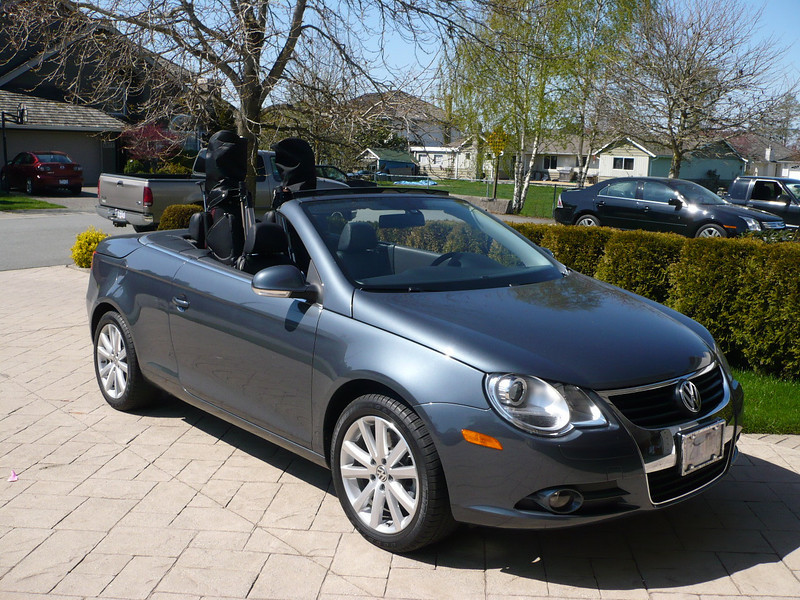 2007 VW Eos with top down and ready for golf - Summer of 2009.