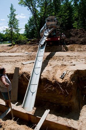 Ken Mounsey & Sons concrete crew begins footing pour